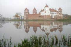 Mir Castle är en befästning och en uppehåll i staden av Mir arkivfoton