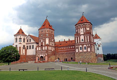 Mir Castle on the background of a stormy sky Royalty Free Stock Photos