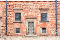 Mir Castle Juli 27, 2015 Dörren och fönstren av Arkivbild