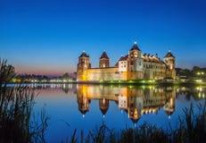Mir Castle na noite, Bielorrússia Fotografia de Stock Royalty Free