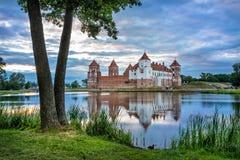 Mir Castle nella sera, Bielorussia Immagini Stock Libere da Diritti