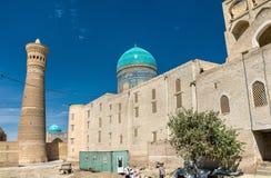 MIR-yo árabe Madrasa en el complejo del Poi Kalyan en Bukhara, Uzbekistán Imagen de archivo