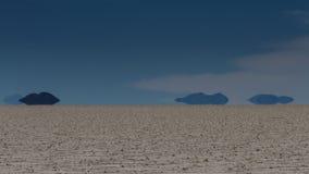 Miraż góry przy Salar De Uyuni obraz stock