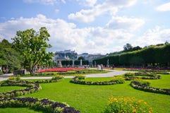 Mirabell Garten und Hohensalzburg Schloss - Salzbur Lizenzfreies Stockfoto