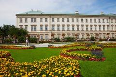 Mirabell trädgårdar i salzburg Arkivbild