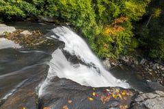 Mirada abajo de Muddy Creek Falls Foto de archivo