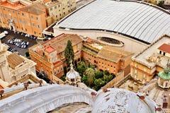 Mirada abajo sobre jardín de la Ciudad del Vaticano Fotografía de archivo