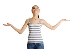 Mirada adolescente caucásica femenina para arriba. Imágenes de archivo libres de regalías
