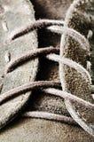 Mirada ascendente del cierre del cordón de zapato Imagen de archivo libre de regalías
