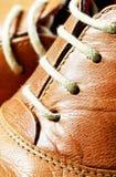 Mirada ascendente del cierre del cordón de zapatos Fotos de archivo libres de regalías