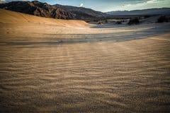 Mirada de Death Valley en desierto Imágenes de archivo libres de regalías