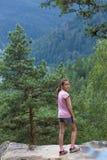 Mirada del bosque de las montañas Imágenes de archivo libres de regalías