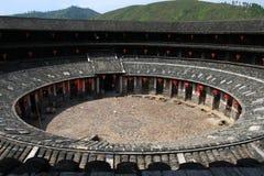 Mirada del edificio del suelo de Hakkas abajo Fotografía de archivo libre de regalías