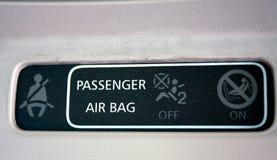 Mirada del primer de la instrucción del passaanger en el coche Fotos de archivo libres de regalías