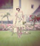 Mirada del verano de la muchacha del encanto Imagen de archivo libre de regalías