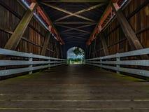 Mirada hacia fuera del puente de Currin Foto de archivo