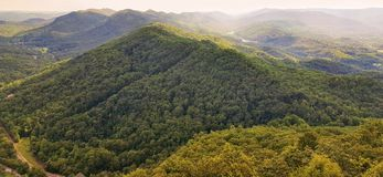 Mirada hacia fuera en el Cumberland Gap en Kentucky suroriental fotografía de archivo libre de regalías