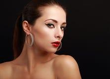 Mirada hermosa atractiva de la cara de la mujer del maquillaje Foto de archivo