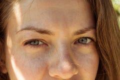 Mirada hermosa de los ojos de la muchacha Imagen de archivo libre de regalías