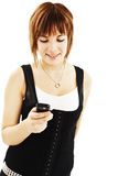 Mirada hermosa y feliz en el teléfono móvil Fotografía de archivo libre de regalías