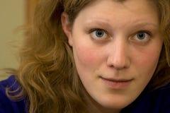 Mirada intensa de la mujer joven Imagenes de archivo