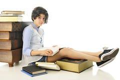 Mirada para arriba de su libro Fotografía de archivo libre de regalías