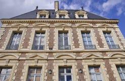 Mirada para arriba de un pequeño castillo Imagen de archivo libre de regalías