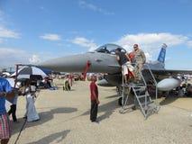 Mirada para ver la carlinga F-16 fotografía de archivo libre de regalías