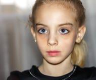 Miradas de la muchacha Fotografía de archivo libre de regalías
