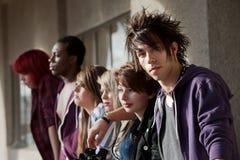 Miradas fijas jovenes del punky Imagenes de archivo