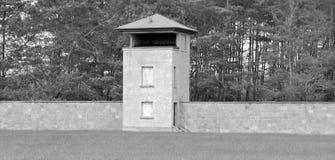 Mirador de l'ancien camp de concentration nazi Photo stock