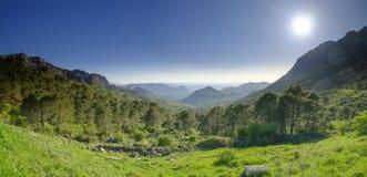 Mirador Puerto del Boyar στα α-372 μεταξύ της EL Bosque και Grazalema, στην οροσειρά φυσικό πάρκο Parque φυσικό de λ de Grazalema στοκ εικόνες