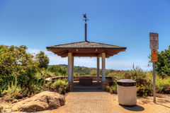 Miradouro sobre Bobcat Hiking Trail na praia de Newport imagem de stock royalty free