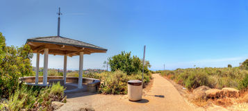 Miradouro sobre Bobcat Hiking Trail na praia de Newport foto de stock