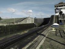 Miraflores lås på den Panama kanalen Arkivfoton