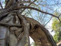 Mirakel`-nyckeln till passagen av tid` på fördärvar av Wat Phra NgamWat Cha Ram, Phra Nakorn Si Ayutthaya, Thailand Royaltyfri Foto