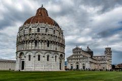 Mirakelenvierkant in Pisa Stock Afbeeldingen