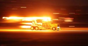 MIRAMAR, CA - 3-ЬЕ ОКТЯБРЯ: Тележка двигателя ударной волны выпускает ракету вниз с взлётно-посадочная дорожка на авиасалоне Mira Стоковое Изображение