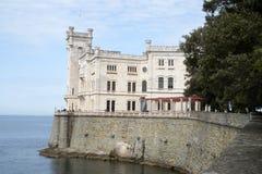 Miramare-Schloss in Italien stockbild