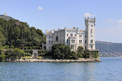 Miramare Schloss in Triest (Italien) Lizenzfreie Stockfotos