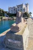 Miramare slott i Trieste. Italien Arkivfoton