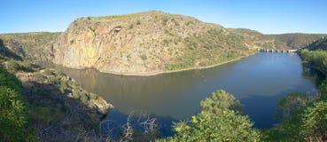 Miranda font le barrage et le lac de Douro Images libres de droits