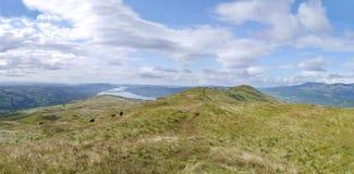 Mirando abajo del Baystones, canto de Wansfell Pike, distrito del lago Imagenes de archivo