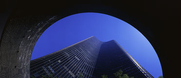 Mirando para arriba la torre de la punta del lago, Chicago, IL Imagen de archivo libre de regalías