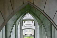 Mirando a través de arcos debajo del puente de McCullough, curva del norte, Oregon imágenes de archivo libres de regalías