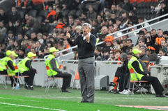 Mircea Lucescu gives instructions to his players Stock Photography