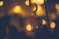Mirez la décoration de lampe avec le fond gentil de bokeh d'éclairage photographie stock libre de droits