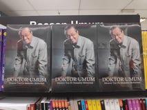 MIRI MALAYSIA - CIRCA MARS, 2019: Tun Mahathir Mohamad böcker på bokhandeln arkivbild