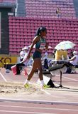Mirieli Santos de médaille d'argent de victoire du Brésil dans le saut triple sur le championnat Tampere, Finlande du monde U20 d photos libres de droits