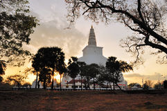 Mirisavatiya Dagoba Stupa, Anuradhapura, Шри-Ланка стоковое изображение rf